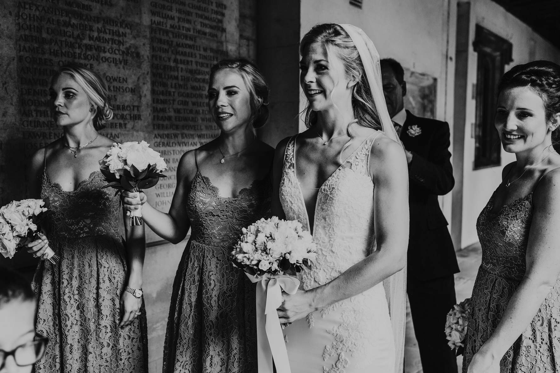 Bride and bridesmaids arriving at Jesus college chapel
